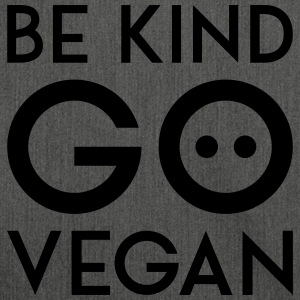 BE KIND GO VEGAN black - Schultertasche aus Recycling-Material