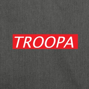 TROOPA - Schultertasche aus Recycling-Material