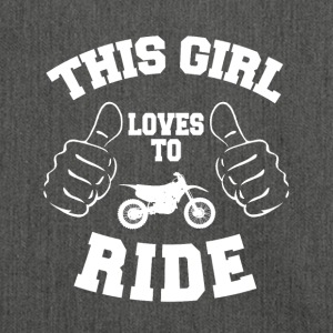 This girl loves to ride - Schultertasche aus Recycling-Material