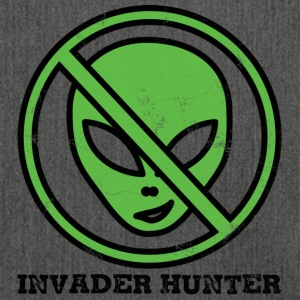 Alien / Area 51 / UFO: Invader Hunter - Shoulder Bag made from recycled material