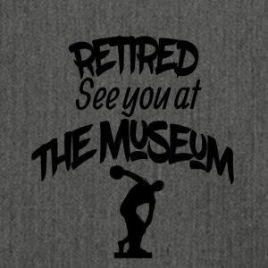 Retired see you at the museum - Schultertasche aus Recycling-Material