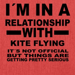 relationship with KITE FLYING - Schultertasche aus Recycling-Material