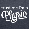 Trust Me I´m A Physio - Women's T-shirt with rolled up sleeves