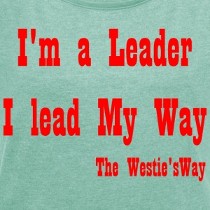 I lead My Way Red - Women's T-shirt with rolled up sleeves