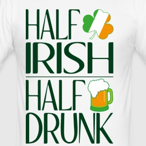 Half Irish halb betrunken - Männer Slim Fit T-Shirt