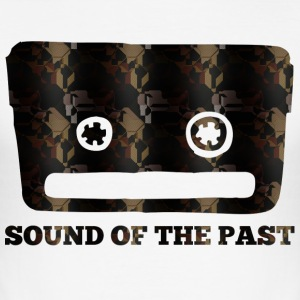 SOUND OF THE PAST - Tee shirt près du corps Homme