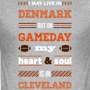 I may live in Denmark... (Cleveland edition) - Herre Slim Fit T-Shirt