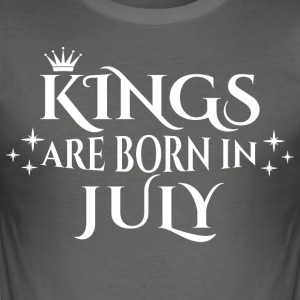 Kings are born in July - Männer Slim Fit T-Shirt