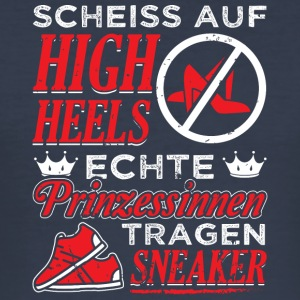 SCHEISS AUF HIGH HEELS ECHTE PRINZESSINEN SNEAKER - Männer Slim Fit T-Shirt