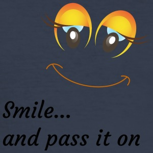 smile and pass it on - Männer Slim Fit T-Shirt