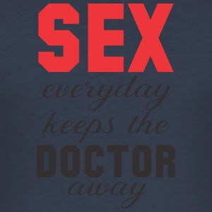 Sex keeps the Doctor away! 2. Edition - Männer Slim Fit T-Shirt