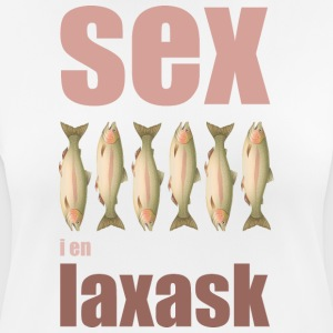 Six salmon in a salmon box - Women's Breathable T-Shirt