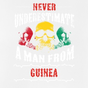 never underestimate man GUINEA - Men's Breathable Tank Top