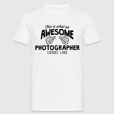 awesome photographer looks like - Men's T-Shirt