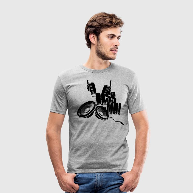 bass-moi baise-moi bass lautsprecher speaker soundsystem T-Shirts - Men's Slim Fit T-Shirt
