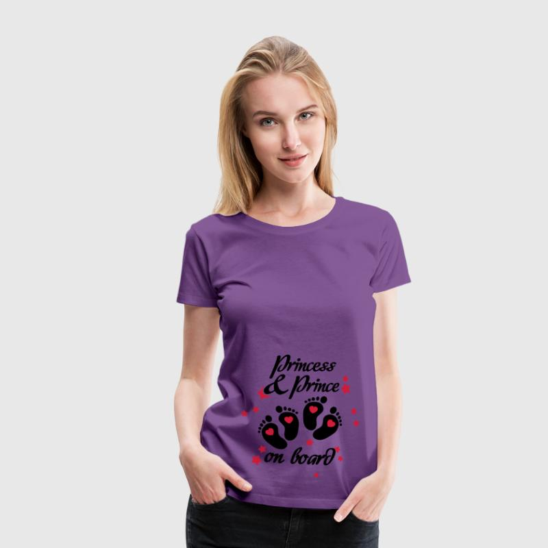 Princess and Prince on board - Twins inside T-Shirts - Frauen Premium T-Shirt