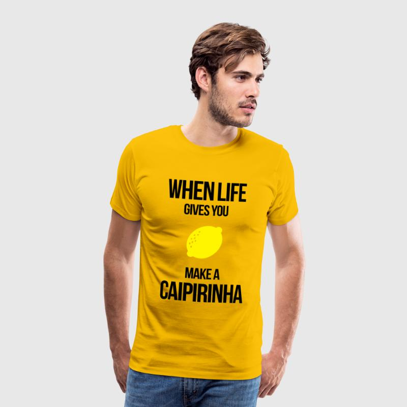 when life gives you lemons make a caipirinha T-Shirts - Männer Premium T-Shirt