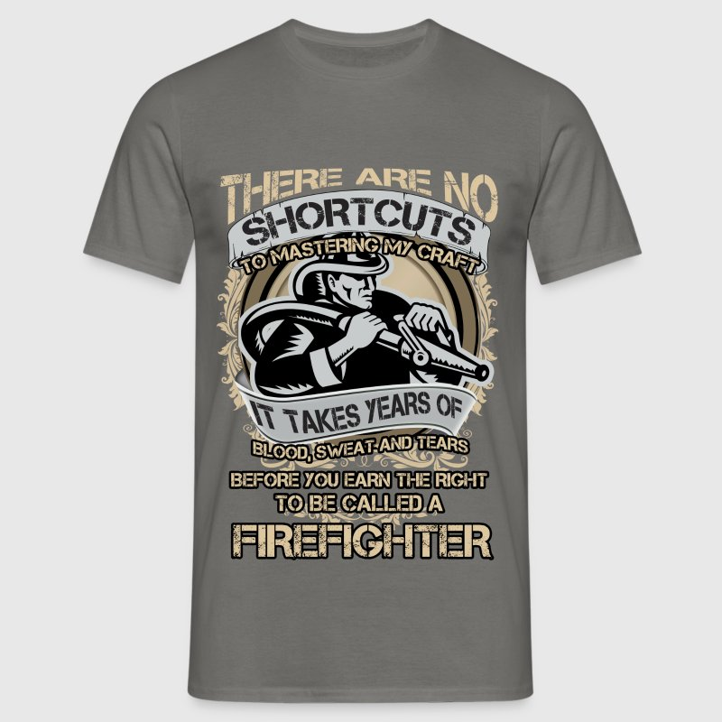 There are no shortcuts to master my craft - Men's T-Shirt