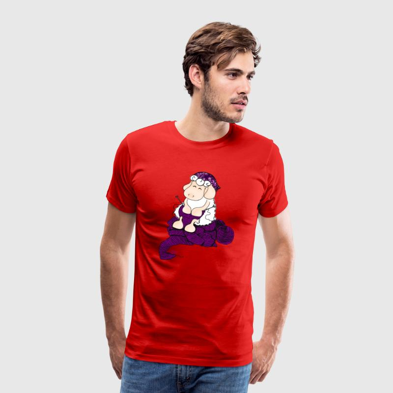 Knitting Sheep - Strickendes Schaf T-Shirts - Männer Premium T-Shirt
