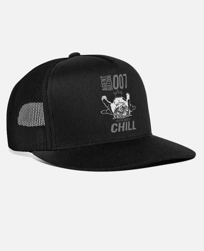 Agent Caps & Mützen - WITH THE LINCENCE TO CHILL - English Bulldog - Trucker Cap Schwarz/Schwarz
