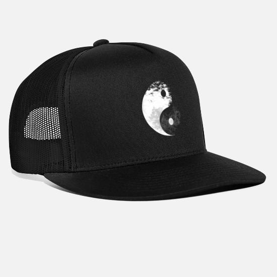 Birthday Caps & Hats - Yin Yang sign symbol gift - Trucker Cap black/black