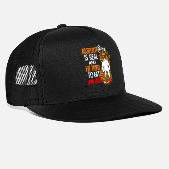 Sasquatch Caps & Hats - Bigfoot Sasquatch Big Foot Fairy Tale Champion Yeti - Trucker Cap black/black