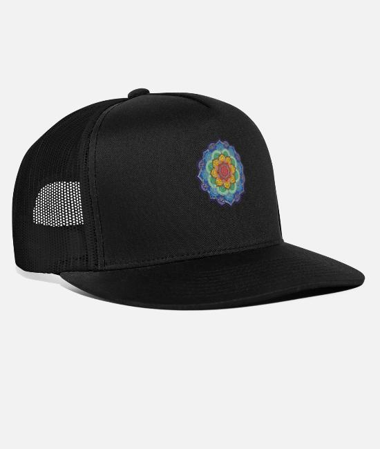 Hindu Caps & Hats - Colorful Hindu Mandala - Trucker Cap black/black