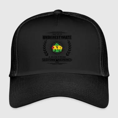 Never underestimate man Roots SA O TOME AND PR - Trucker Cap