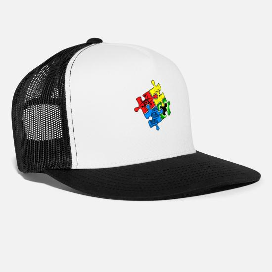 Best In Class Caps & Hats - univers - Trucker Cap white/black
