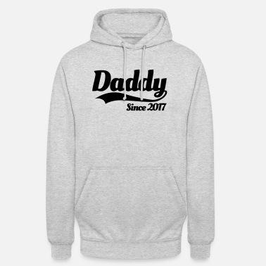 72964f18 Daddy since 2017 Men's Ringer T-Shirt | Spreadshirt