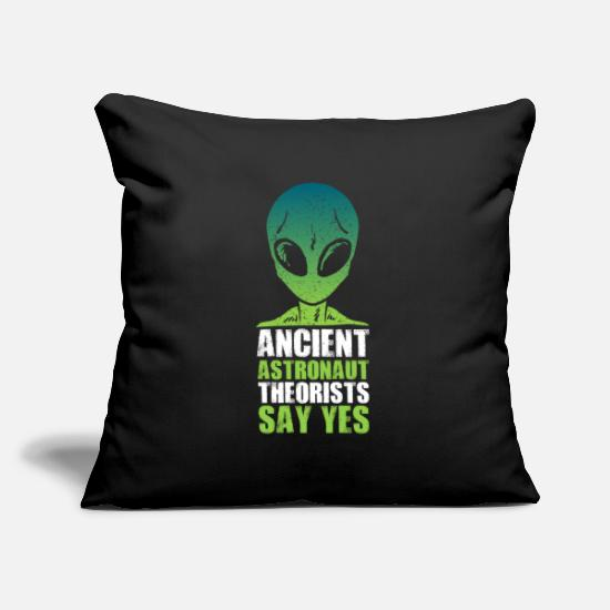 Saucer Pillow Cases - Ancient Astronaut Theorists Say Yes - Pillowcase 17,3'' x 17,3'' (45 x 45 cm) black
