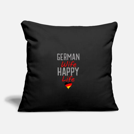 German Kissenbezüge - happy wife German wife - Kissenhülle Schwarz