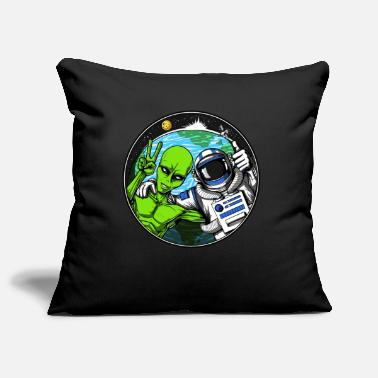 Science Space Astronaut Alien Peace Sign Galaxy Planet - Pillowcase 17,3'' x 17,3'' (45 x 45 cm)