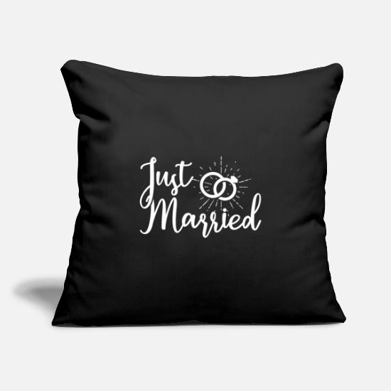 Married Pillow Cases - Just Married, a newly married wedding - Pillowcase 17,3'' x 17,3'' (45 x 45 cm) black