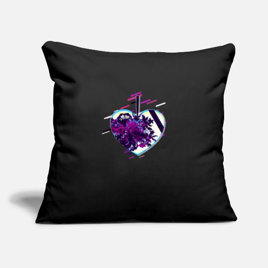 Love Pillow Cases - Heart isolated 80's retro violet - Pillowcase 17,3'' x 17,3'' (45 x 45 cm) black