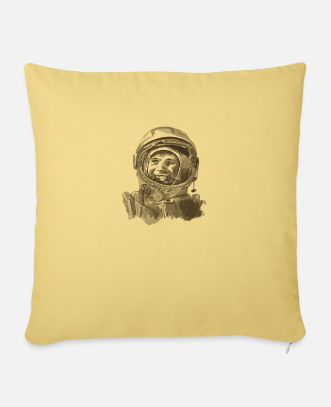 Space Pillow Cases - kosmonaut - Pillowcase 17,3'' x 17,3'' (45 x 45 cm) washed yellow