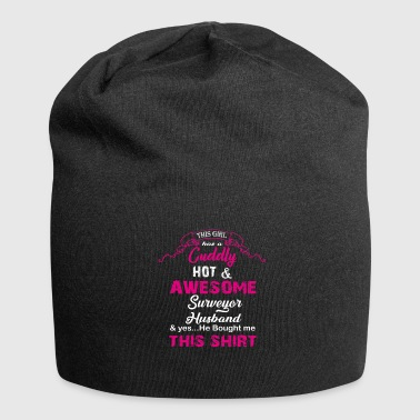 Review This woman has a hot man reviewer - Jersey Beanie
