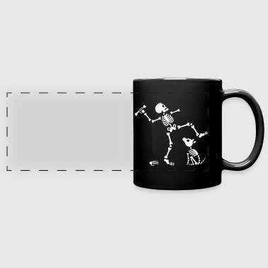 Go fetch bone dog skeleton arm - Taza panorámica de colores