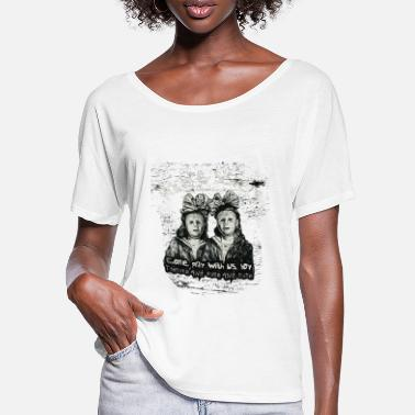 Creepy sisters - Women's Batwing T-Shirt