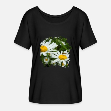 Marguerite Marguerite is visited by hoverfly - Women's Batwing-Sleeve T-Shirt by Bella + Canvas