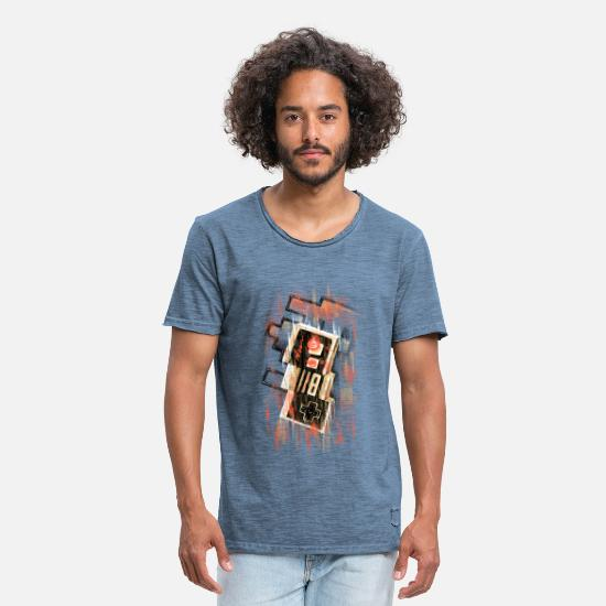 Geek T-Shirts - Blurry NES - Men's Vintage T-Shirt vintage denim