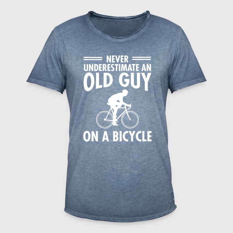 Never Underestimate An Old Guy On A Bicycle - Männer Vintage T-Shirt