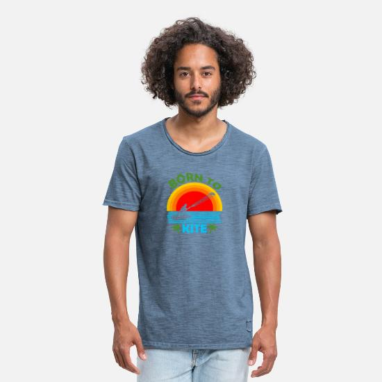 Windsurfing T-Shirts - Kite Boarding Surfers Kiteboard Hang Glider - Men's Vintage T-Shirt vintage denim