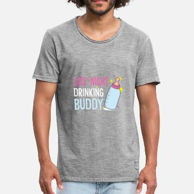 Baby Shower Baby milk drinking team out of the vial - Men's Vintage T-Shirt