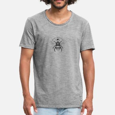 Worker Bee Traditional worker bee and love heart Manchester - Men's Vintage T-Shirt