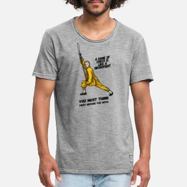 Swordfighter A game of chess is like a swordfight - - Men's Vintage T-Shirt