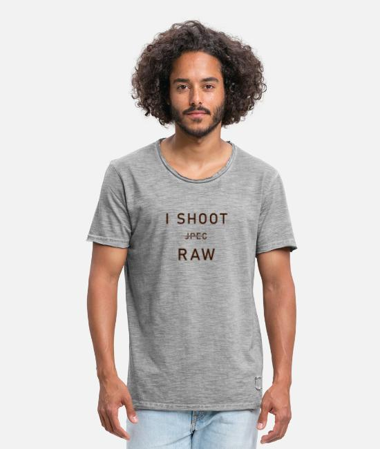 Photography T-Shirts - i Shoot raw - Men's Vintage T-Shirt vintage grey