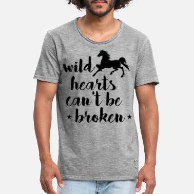 Iceland Wild hearts cant be broken - Men's Vintage T-Shirt