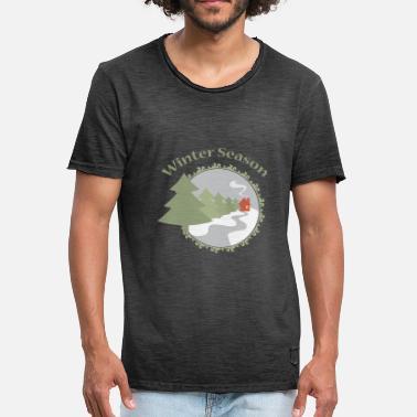 c7cee23e2c76 Winter Season Tannenwald mysig stuga spis - Vintage T-shirt herr