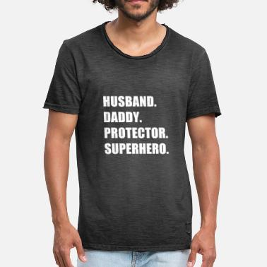 Superhero Couples Husband. Daddy. Protector. Superhero - Men's Vintage T-Shirt